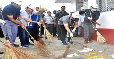 Arunachal: Kiren Rijiju takes part in Shramdaan held at Naharlagun Railway Station
