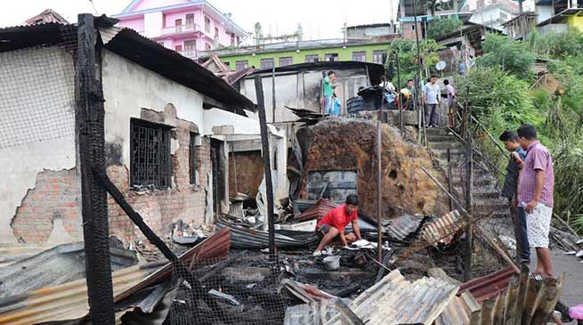 Itanagar:Two residential houses gutted in massive fire in GSI colony