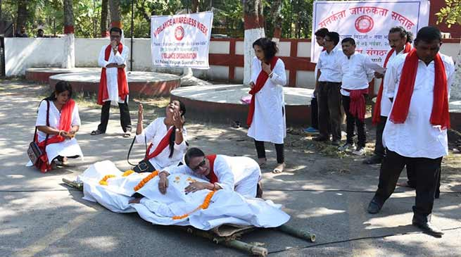 Assam:Railway employees stages street play to observes Vigilance Awareness Week