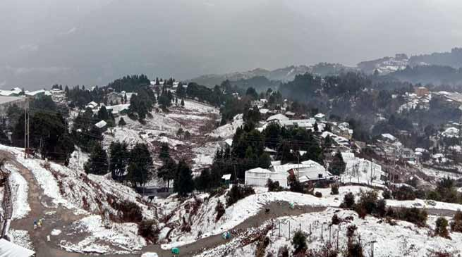 Arunachal: First snowfall of this season hits Tawang and Bomdila