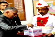 Photo of Arunachal Governor, Ministers and officials of Raj Bhavan donate towards Armed Forces Flag Day