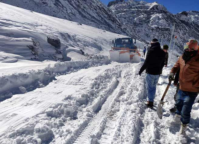 Arunachal: BRO Clears Sela Pass of snow