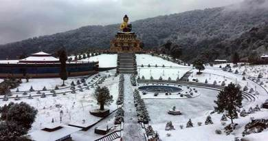 Sikkim: heavy snowfall in Nathula, army rescues 2500 tourists