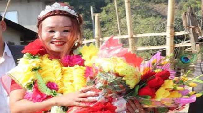 Arunachal:Nabam Ani gets warm welcome on her arrival in Sood village
