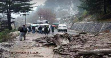 Arunachal:BCT road closed due to land slide at several places