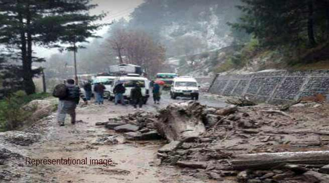 Arunachal: BCT road closed due to land slide at several places