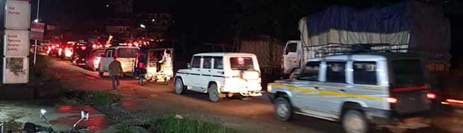 Assam: Pathetic road condition created massive traffic jam