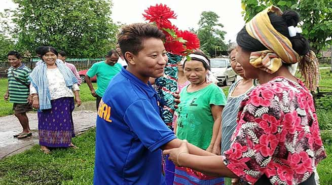 Arunachal: Oyi Tayeng gets warm welcome at Borguli