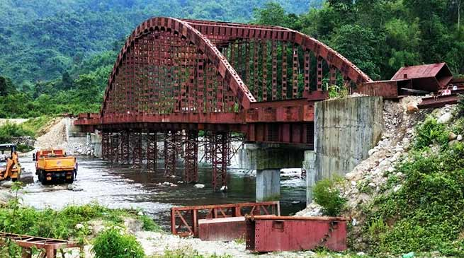 Itanagar: PWD official inspects several road and bridge projects