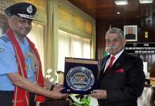 Photo of Arunachal: Eastern Air Command Chief calls on the Governor