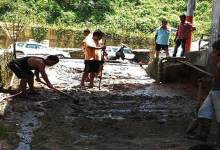 Itanagar: Locals contribute to repair CC Pavement road