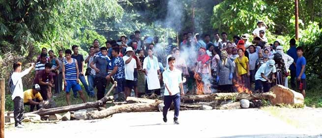 Arunachal: Angry villagers blocked road, burn tyres, compelled demolition team to return
