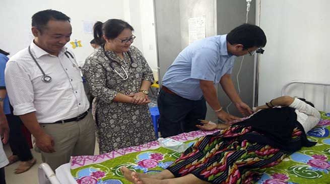 ACWS team visits TRIHMS and offered fruits to cancer patients