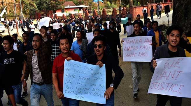 APSSB malpractice case: aspirants protest gheraod APSSB office