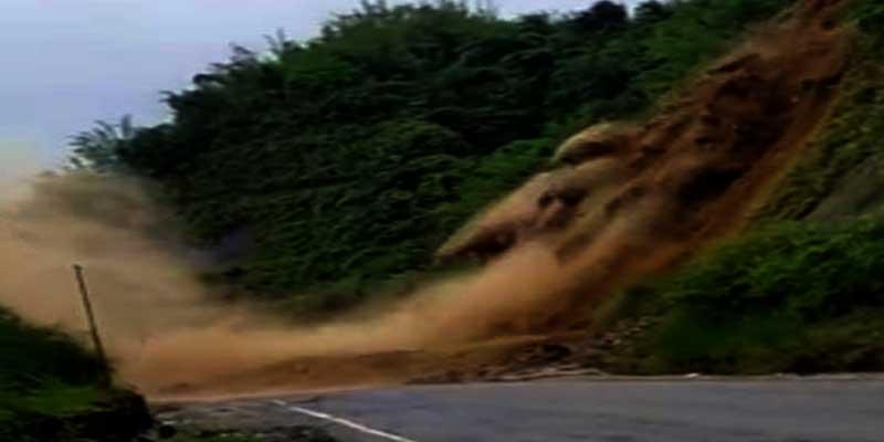 Arunachal: Massive landslide blocks Naharlagun-Yupia road