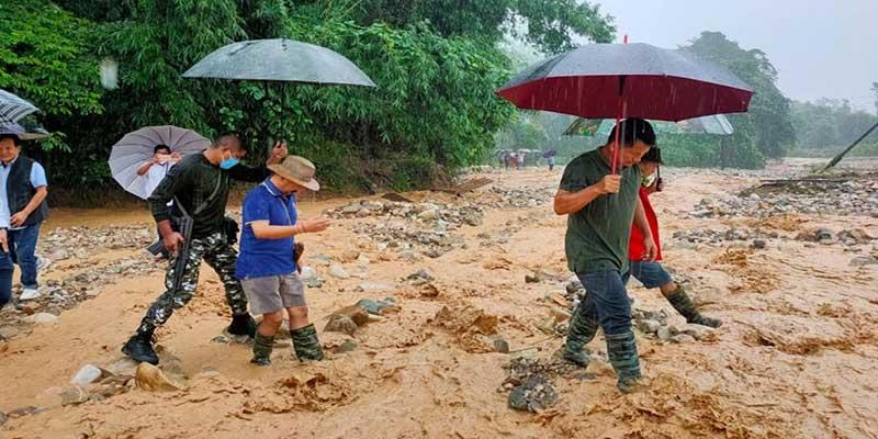 Arunachal: DC & MLAs take stock of flood situation in Pasighat