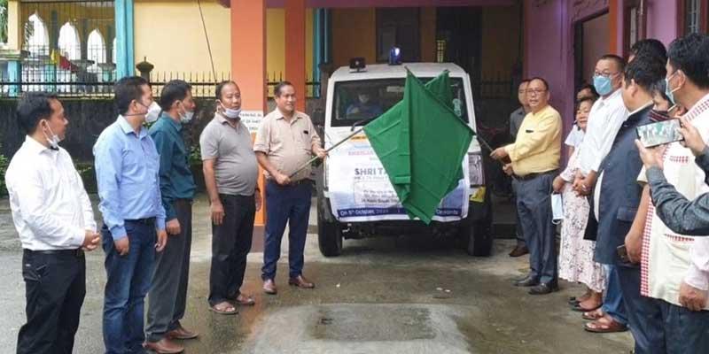 Arunachal:Tarin Dakpe flags off ambulance for Kamle district