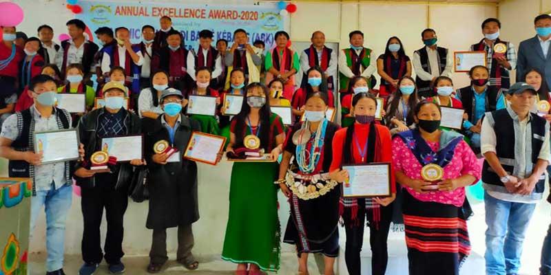 Arunachal: ABK Shi-Yomi felicitates 23 topper students at Tato