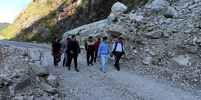 Arunachal: ABKYW with Highway officials inspect Pasighat-Pangin road blockade sites