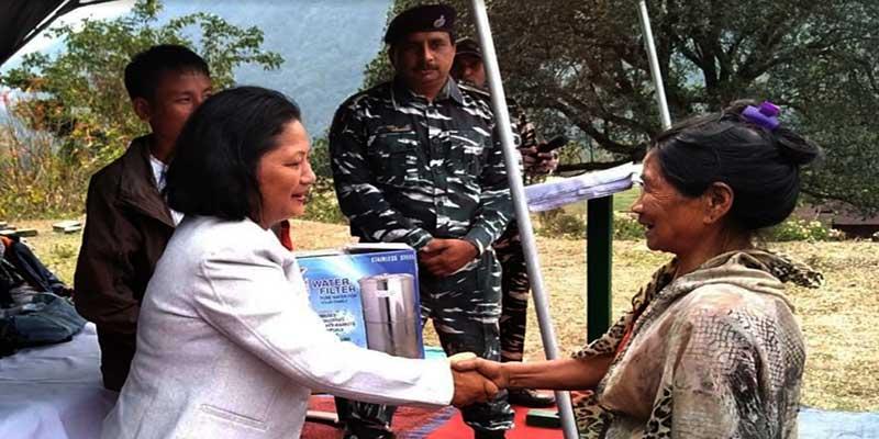 Arunachal: CRPF distributes water filters to Bodak villagers