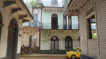 """An exploratory trip around Casco Viejo."""