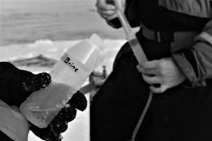 Working on ice (Photo: Lena Seuhe)