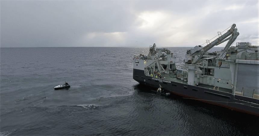 Testing av nytt autonomt fartøy i Barentshavet Foto: Adam Steer, NPI