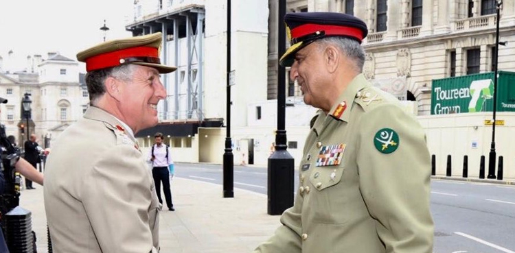 Photo of COAS Bajwa visits UK Ministry of Defence