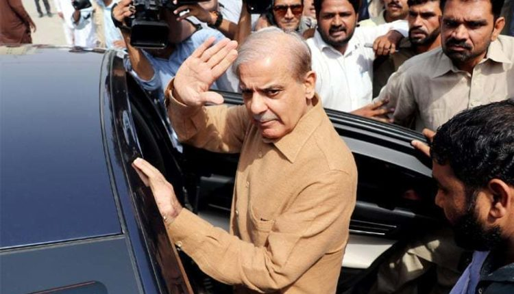 Photo of Shehbaz Sharif returns house from London