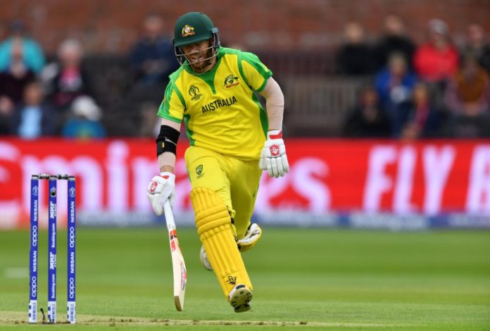 Australian openers hang in there in difficult batting conditions