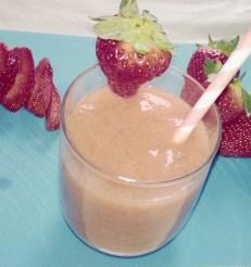 Papaya, strawberry and banana smoothie