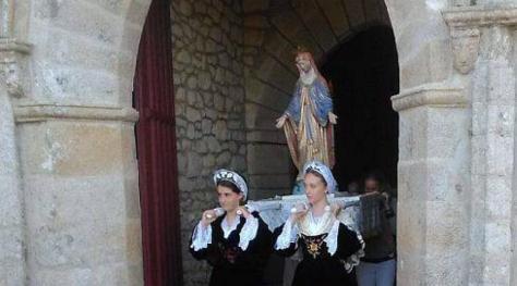 la-procession-du-15-aout-tres-suivie