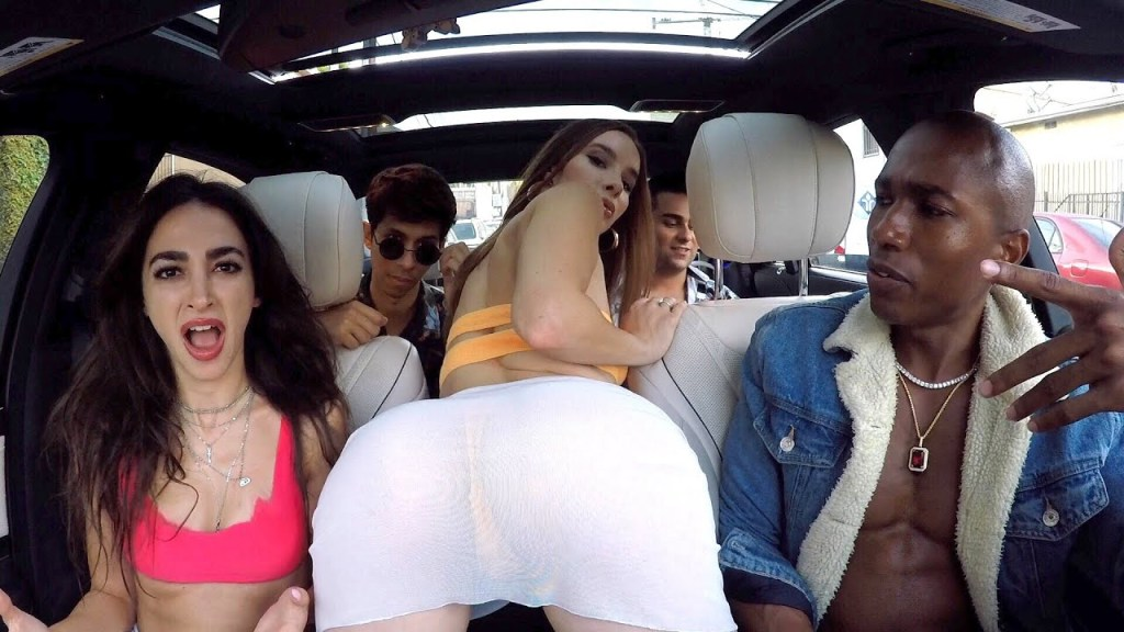 Read more about the article Uber driver Raps Fast For Girls In $250,000 Car!