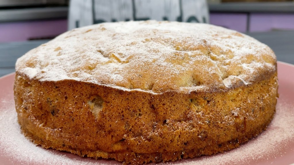 I just fell in love with this cake! Apples and walnuts – fast and tasty!
