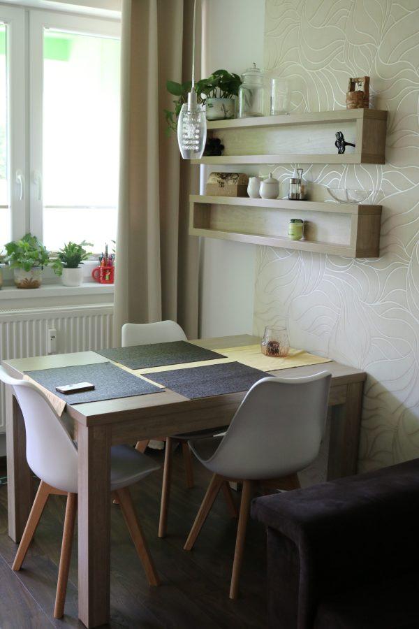 Kuchyňa, obývacia izba, 2-izbový byt B. Bystrica