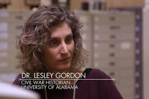 """Dr. Lesley Gordon helps actor Noah Wyle learn about his family history on an episode of """"Who Do You Think You Are?"""""""