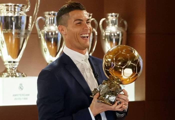Real Madrid Cristiano Recibe Hoy Su Quinto Balón De Oro En París