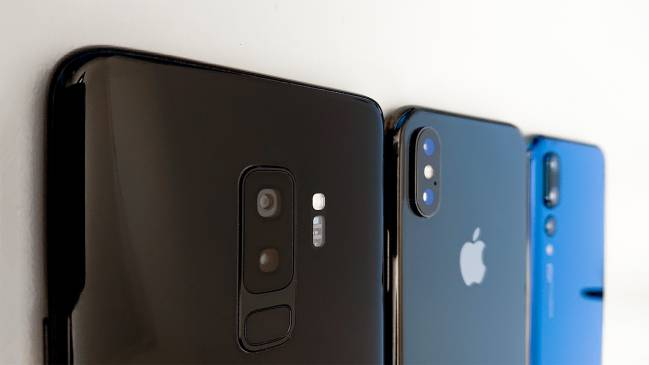 Samsung Galaxy S9 Plus, iPhone X y Huawei P20 Pro