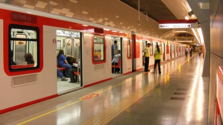 Metro de Santiago, hoy miércoles: estaciones abiertas y horarios ...