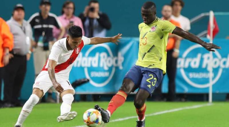 Fútbol. Colombia vence a Perú 1 – 0