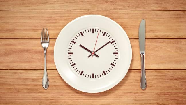 El ayuno intermitente es una buena opción para perder peso.