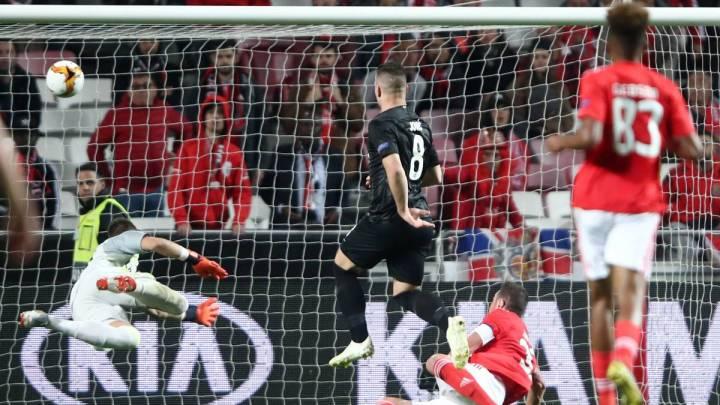Jović contro il Benfica | Numerosette Magazine