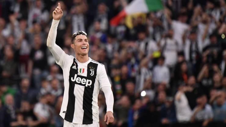 Juventus: Cristiano Ronaldo asks for Isco, Varane and João Félix