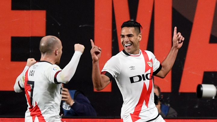Memphis depay missed a penalty as barcelona lost at rayo vallecano to increase the pressure on ronald koeman. Efipt 35bgv3jm