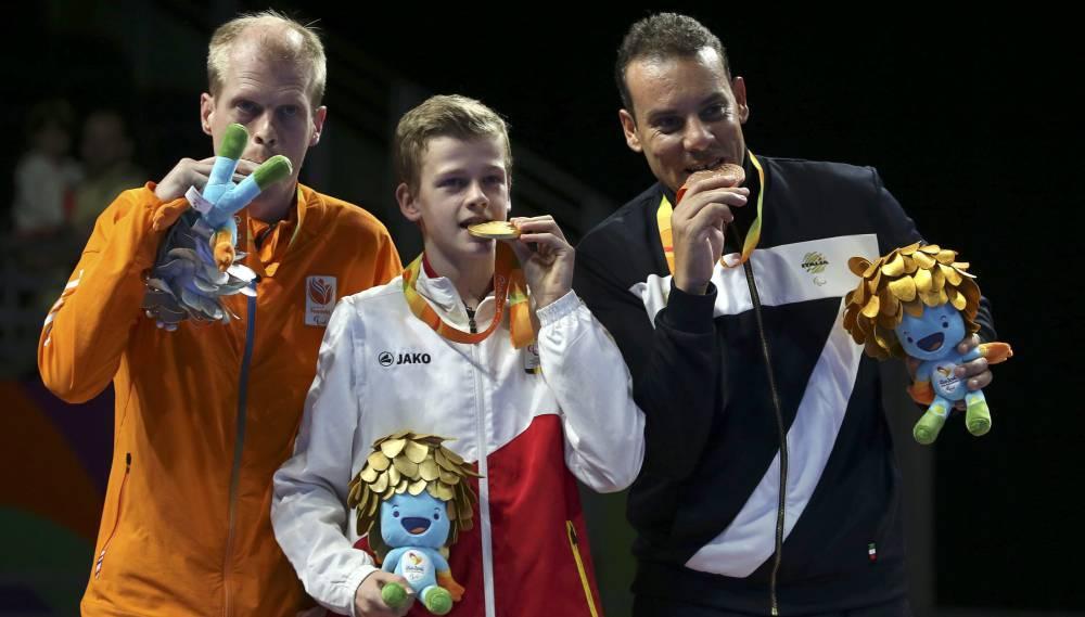 Campeón paralímpico de tenis de mesa con tan sólo... ¡16 años!