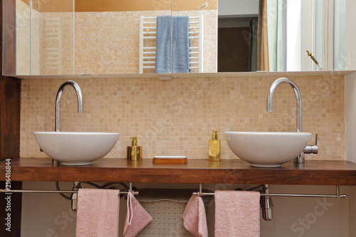Eviers Vasques Sale De Bain Buy This Stock Photo And Explore Similar Images At Adobe Stock Adobe Stock