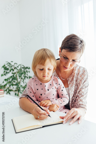 Mom Teaches Daughter To Write