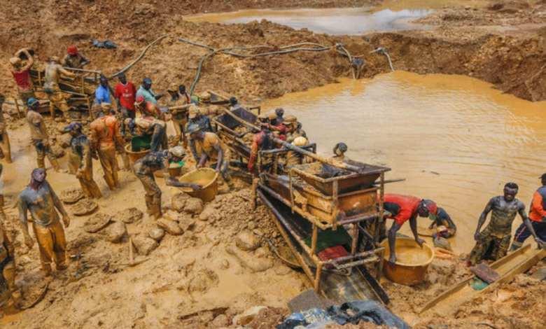 Nigeria artisanal gold mine