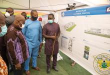 Photo of Akufo-Addo cuts the sod for construction of multiple health-care facilities in Accra