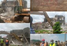 Photo of Amoako-Atta pulls down buildings on American House-Adjiringanor road
